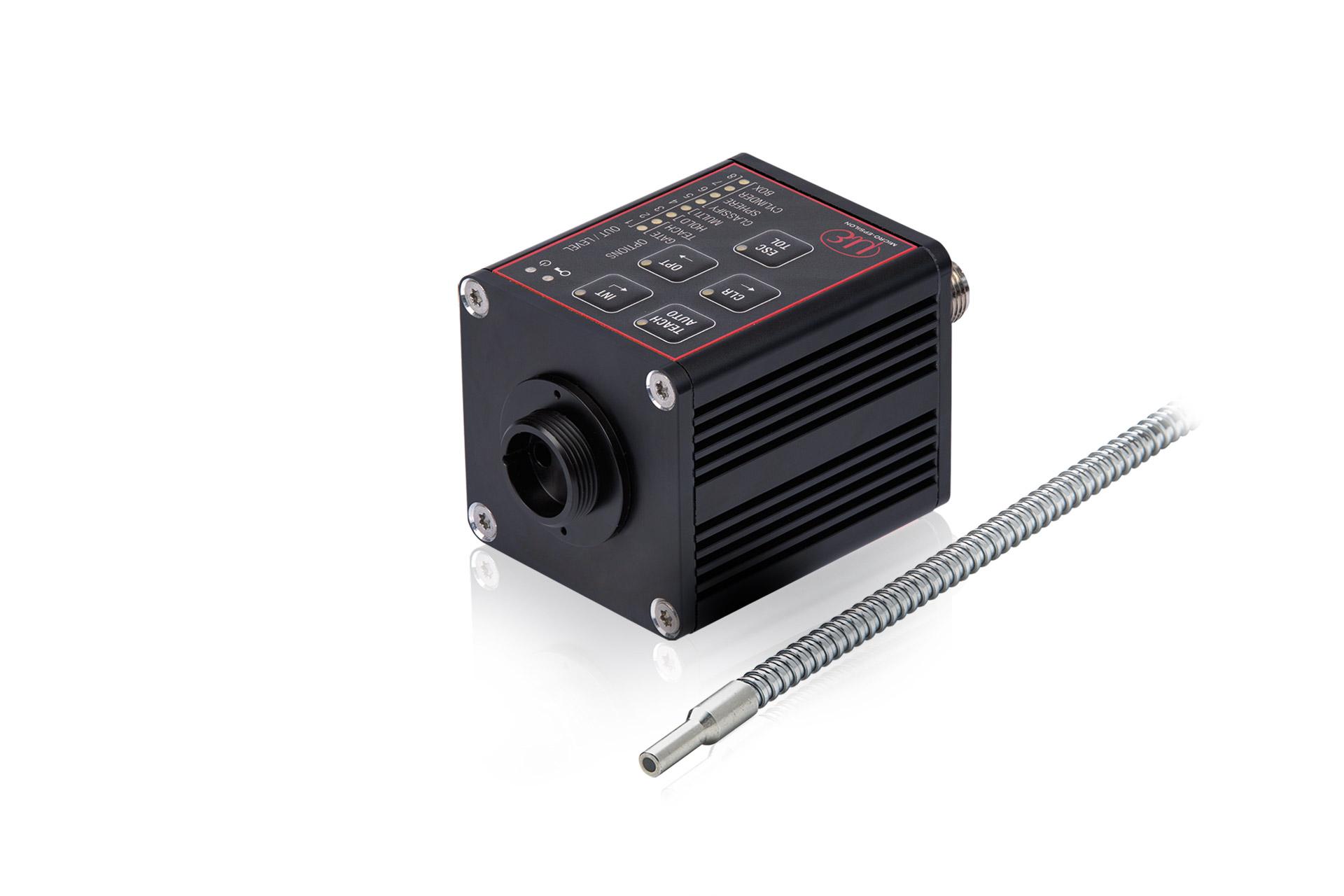Kompakter Farbsensor CFO100 mit Reflex-Lichtleiter